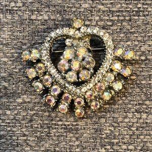 Jewelry - Vintage Victorian Heart Brooch